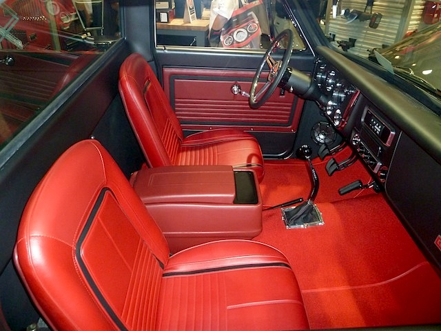 Auto Upholstery - The Hog Ring - SEMA 2013 Custom Truck Interior