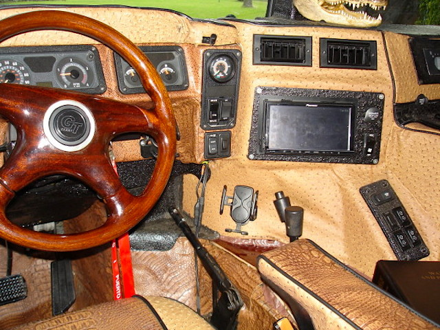 Photo Most Hideous Hummer Interior Ever