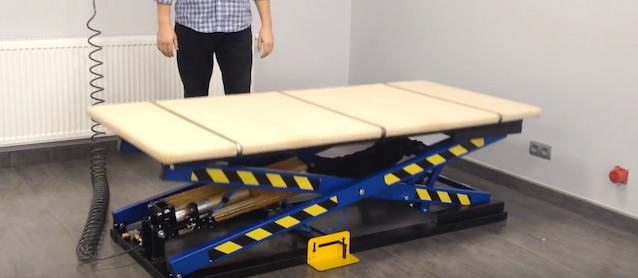 Auto Upholstery - The Hog Ring - Rexel Pneumatic Lifting Table