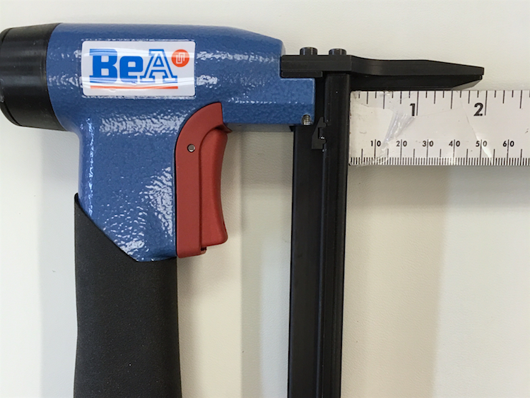The Hog Ring - Review - BeA Pneumatic Staple Gun 4