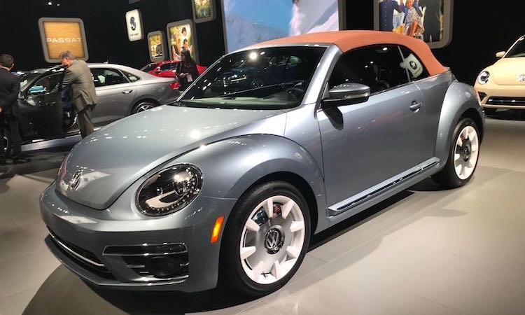 The Hog Ring - Haartz Corporation Tops NAIAS - VW Beetle