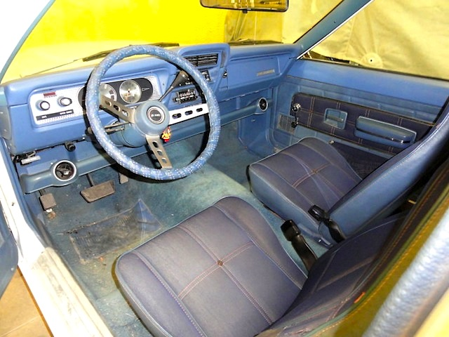 Auto Upholstery - The Hog Ring - Gremlin Levis